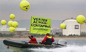 Acción en Tarragona contra los vertidos/ Pedro Armestre