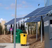 Paneles solares en un punto limpio de Rivas-Vaciamadrid
